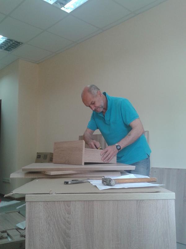 Збираю любі корпусні меблі
