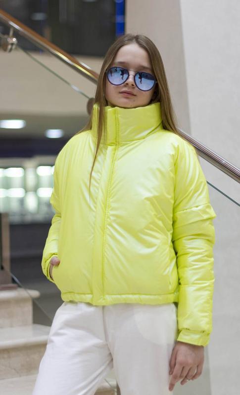 Стильная подростковая куртка для девочки