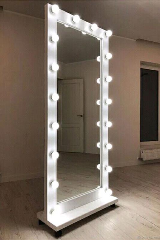 Зеркало гримёрное с подсветкой для макияжа