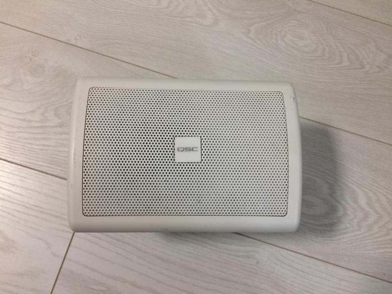 Настенная акустическая система QSC AC-S4T (white)