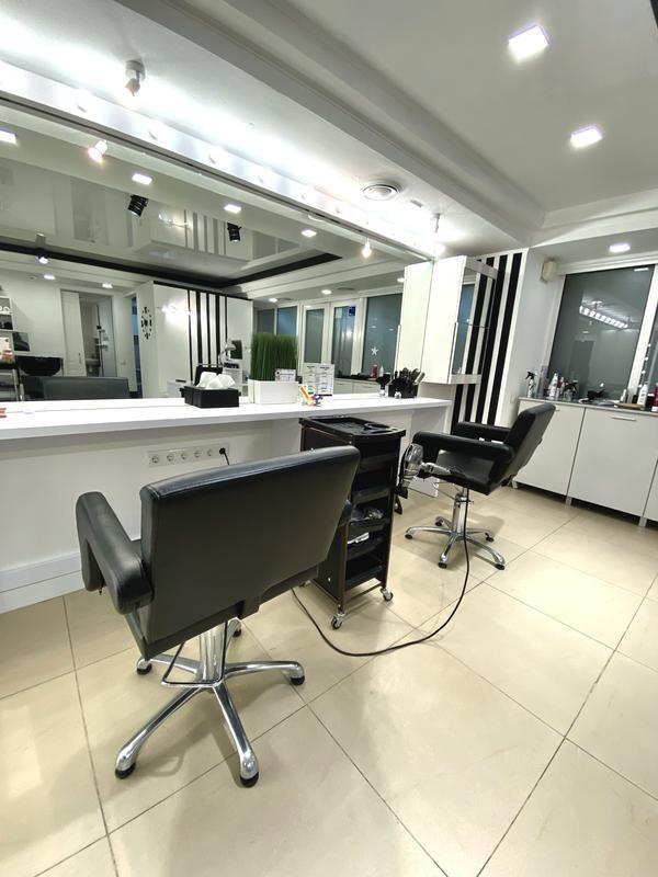 Аренда кресла парикмахера и место мастера маникюра - Фото 2