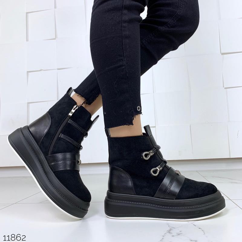 Стильные зимние ботинки черного цвета - Фото 2