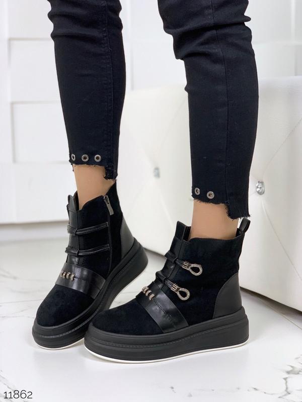 Стильные зимние ботинки черного цвета - Фото 5