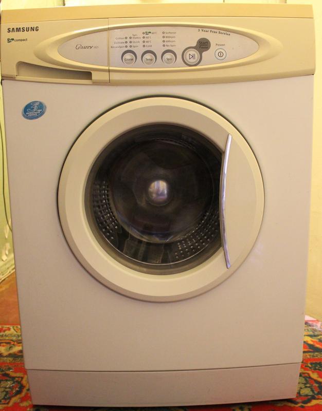 Узкая стиральная машинка Samsung S 821. Б/У