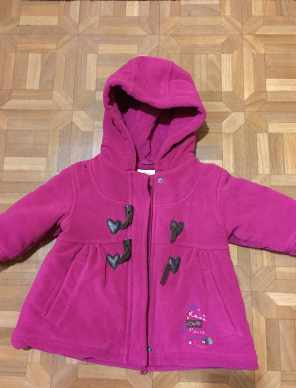 Продам Пальто  осеннее флисовое на девочку размер 68