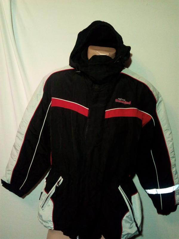 Куртка  reima- стильная, практичная и универсальная модель.