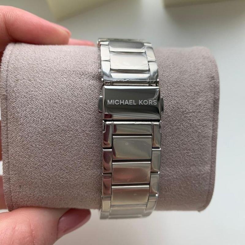 Женские часы Michael Kors MK5353 'Parker' - Фото 4
