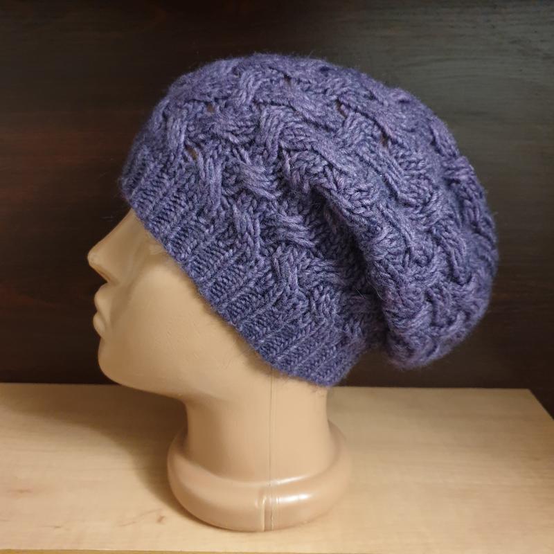 Фиолетовая вязаная шапка out of ireland