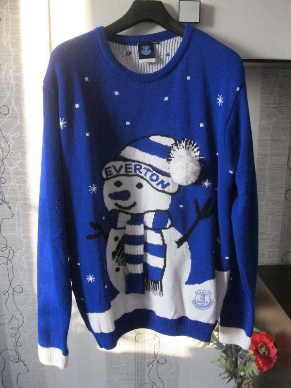 Новый зимний праздничный свитер теплый и не толстый снеговик с...