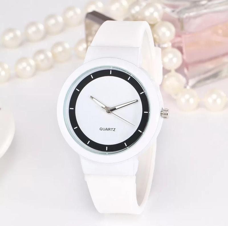 Часы на силиконовом ремешке,супер годинник.силиконовые часы