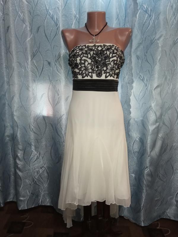 Красивое, асимметричное вечернее платье