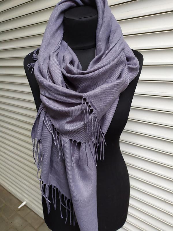 Палантин пашмина шарф однотонный серый в наличии - Фото 3