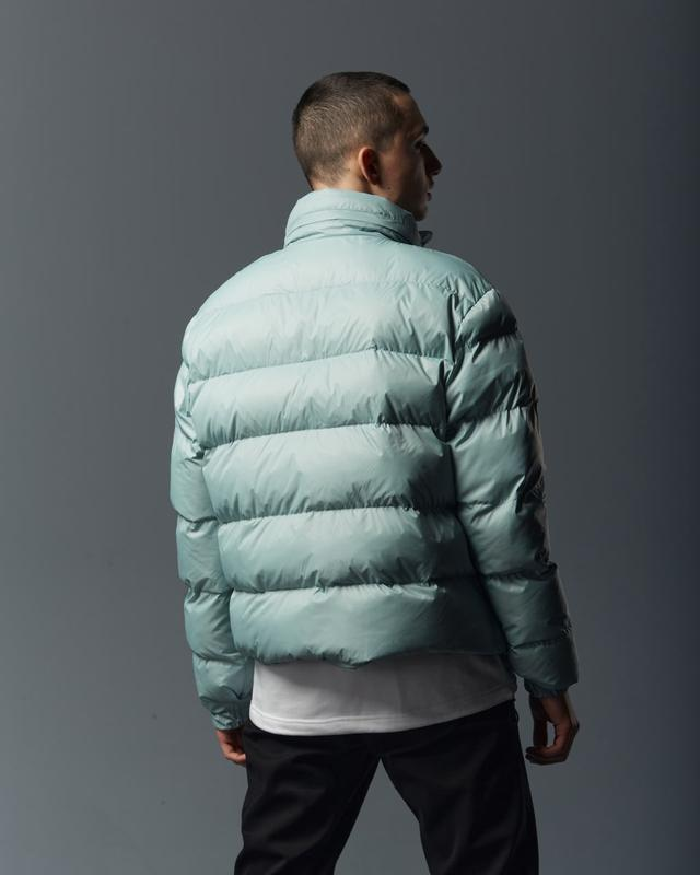 Короткая мужская куртка-пуховик мята - Фото 5
