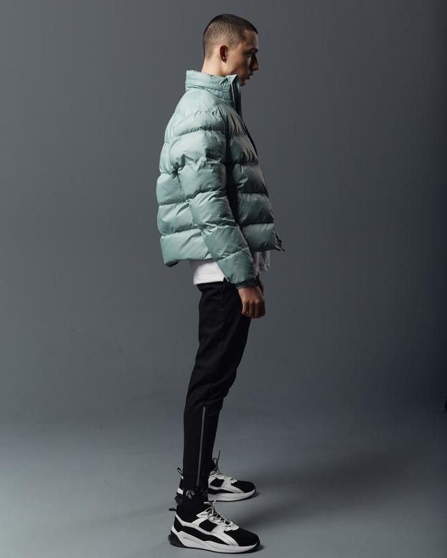 Короткая мужская куртка-пуховик мята - Фото 6