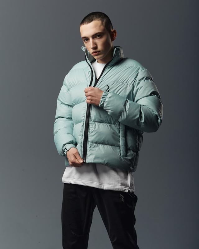 Короткая мужская куртка-пуховик мята - Фото 8