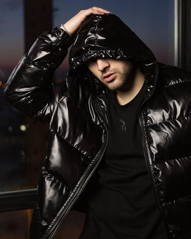 Короткая куртка-пуховик мужская черная 7970 - Фото 3