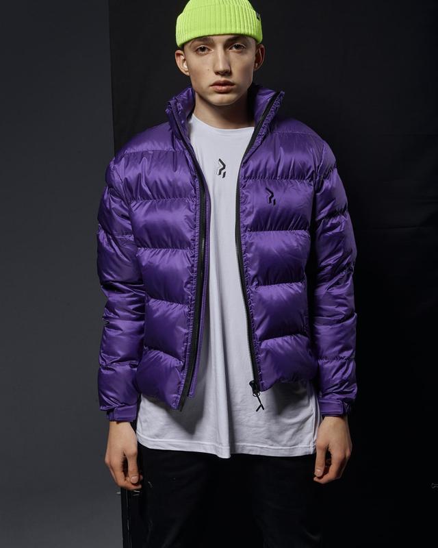 Короткая мужская куртка-пуховик фиолетовый