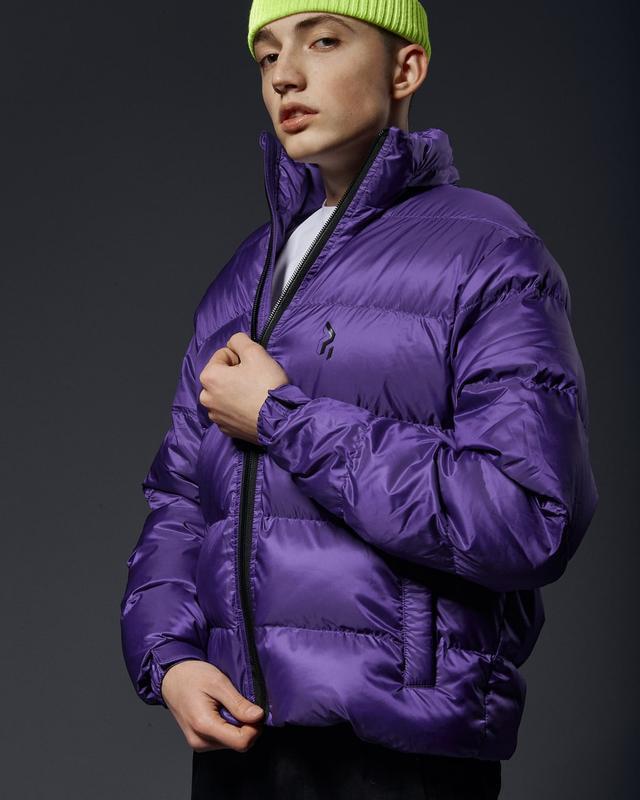 Короткая мужская куртка-пуховик фиолетовый - Фото 4