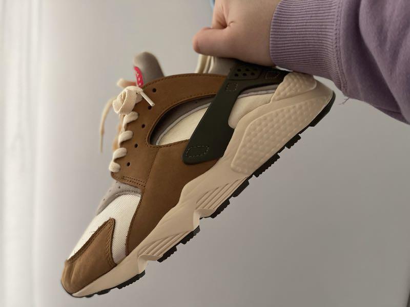Nike Air Huarache Stussy Desert Oak (2021). Оригинал