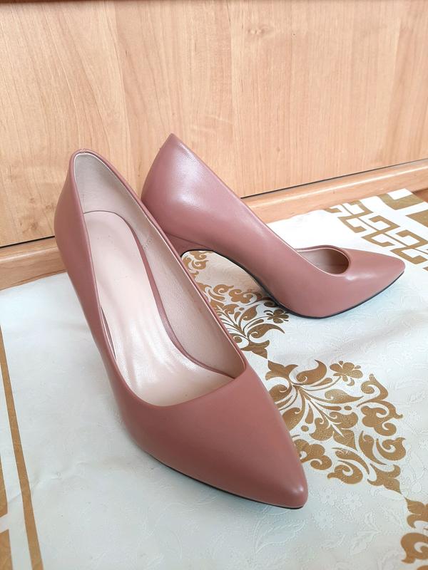 Пудровые туфли лодочки на шпильке - Фото 2