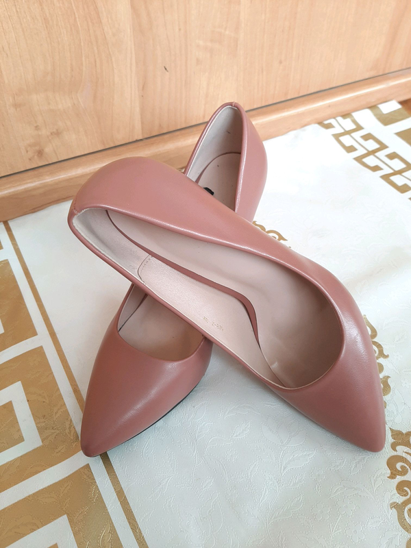 Пудровые туфли лодочки на шпильке - Фото 5