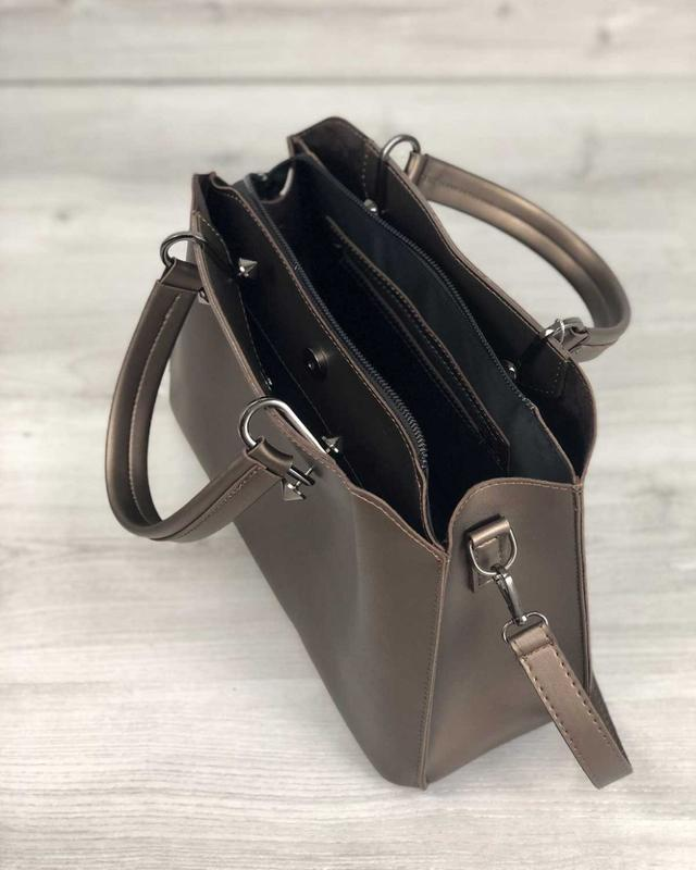 Стильная сумка на три отделения бронзового цвета - Фото 4