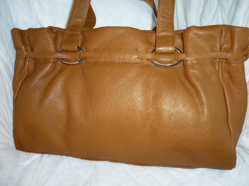 Стильная вместительная сумка натуральная кожа lloyd baker