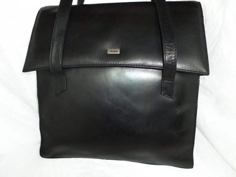 Стильная вместительная сумка натуральная кожа assima