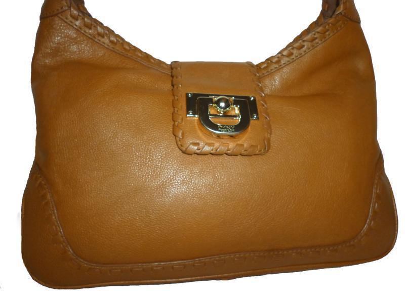 Стильная  вместительна сумка натуральная кожа dkny