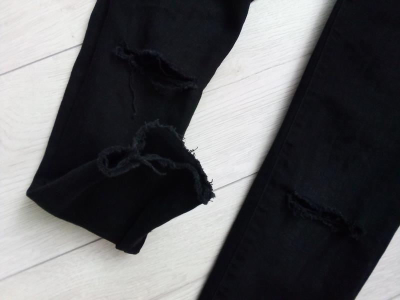 Стильные рваные джинсы для будущих мам - Фото 4