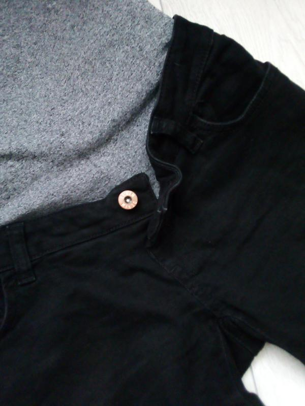 Стильные рваные джинсы для будущих мам - Фото 6