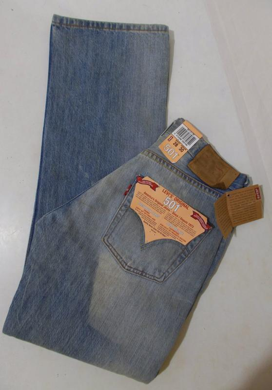 Новые джинсы голубые тертые рваные w28 l30 *levi's 501*
