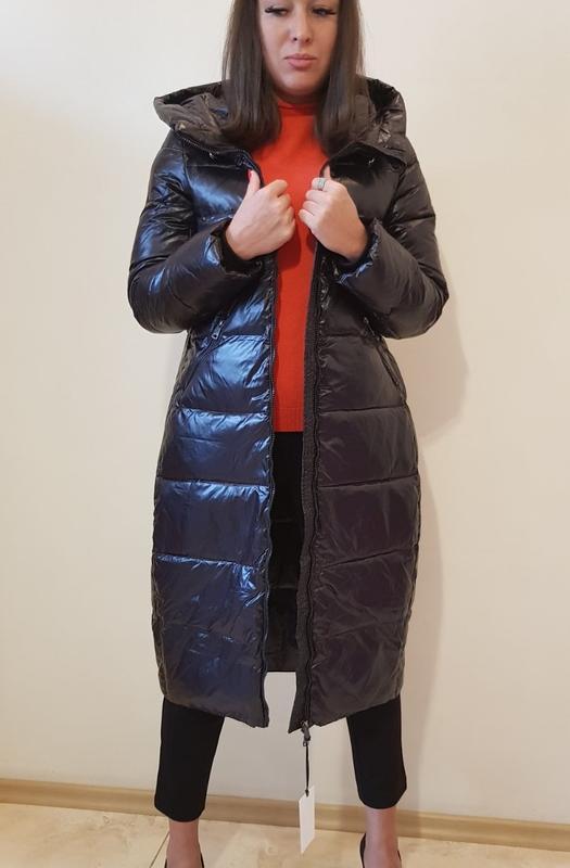 Пальто пуховик черного цвета