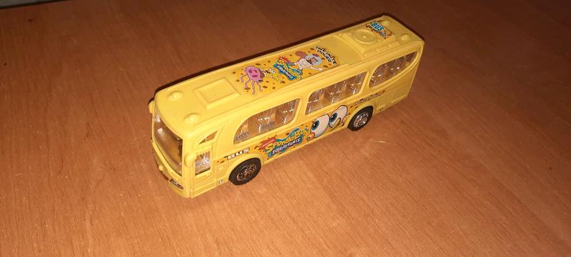 Автобус Спанч боб