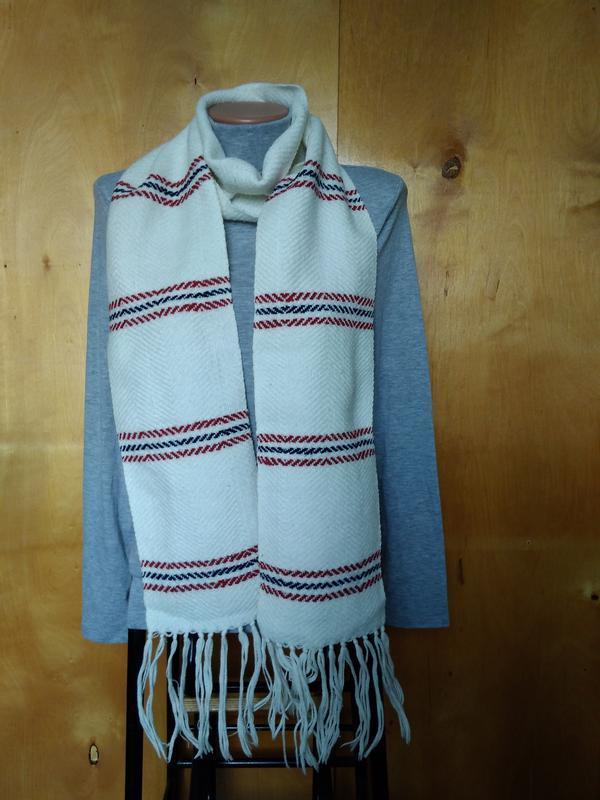 Мягкий теплый шарфик шарф белый в полоску в составе шерсть