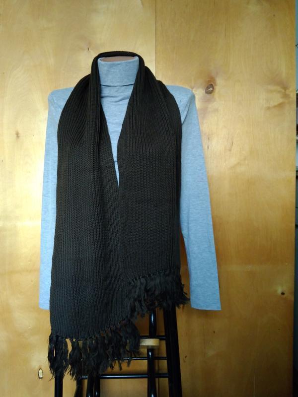 Мягкий теплый вязаный шарфик шарф оливковый цвета хаки