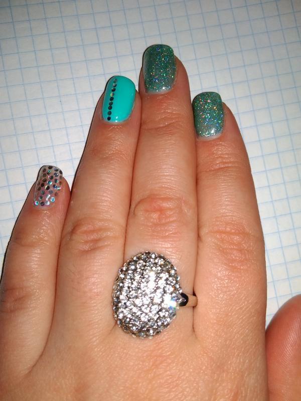 🌷р. 9 / 20,5 кольцо перстень каблучка под серебро с россыпью м...