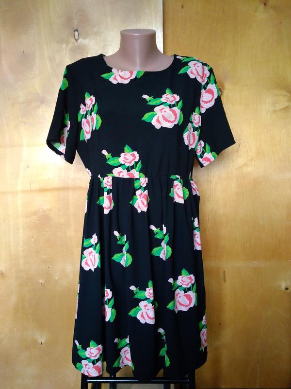 Платье платьице сукня яркое черное в цветах отрезное по талии ...