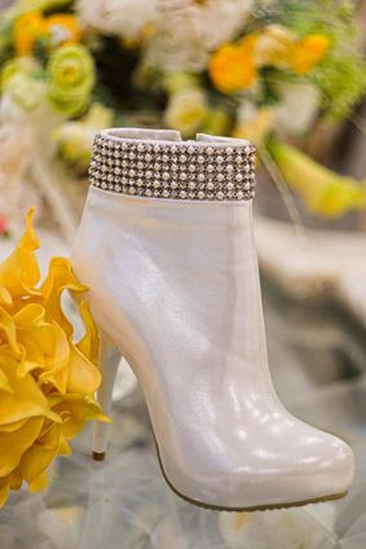 Продам нові весільні ботільони, туфлі (туфли невесты), Кременчук