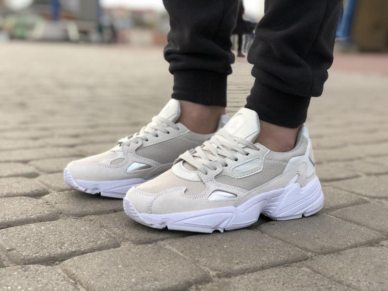 Шикарные женские кроссовки adidas falcon white 😍 (весна/ лето/... - Фото 5