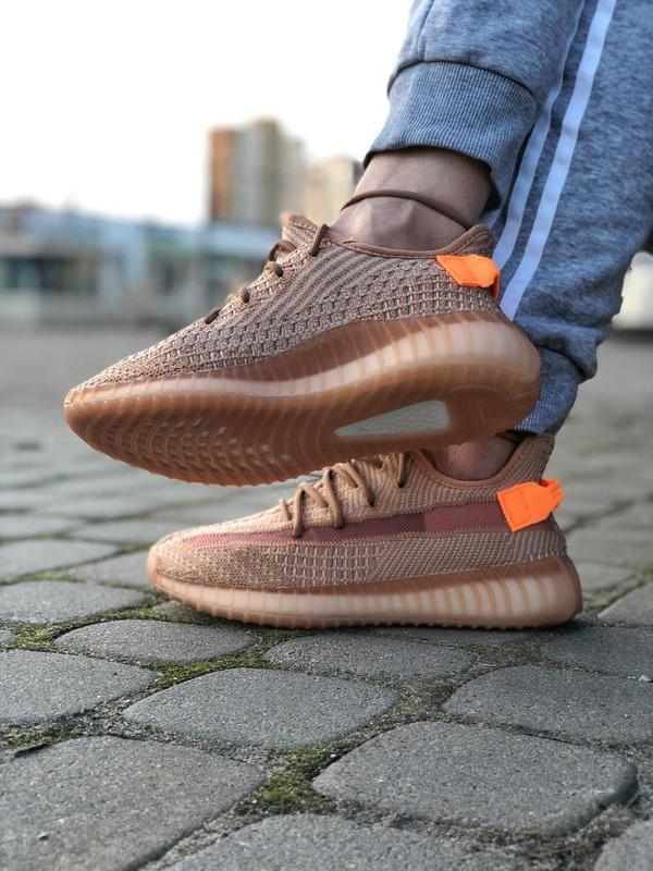 Шикарные кроссовки adidas yeezy 350 v2 😍 (весна/ лето/ осень),... - Фото 2