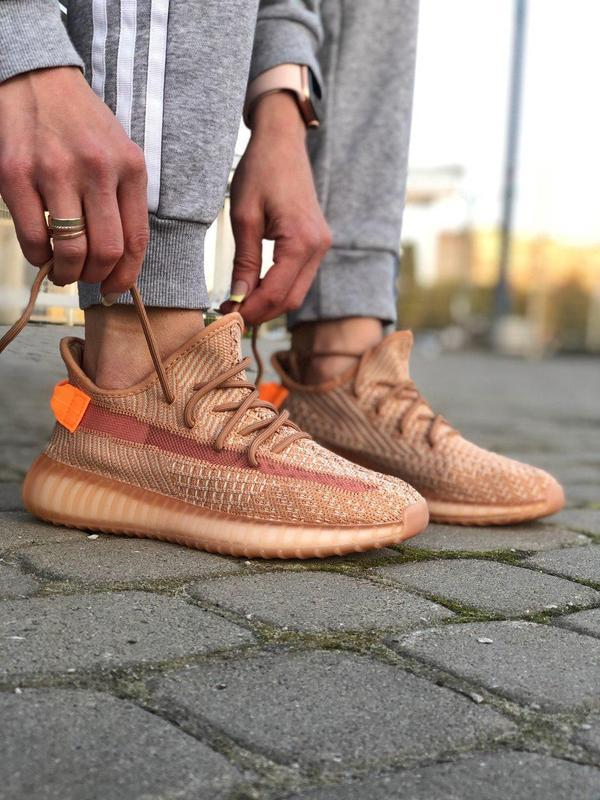 Шикарные кроссовки adidas yeezy 350 v2 😍 (весна/ лето/ осень),... - Фото 4