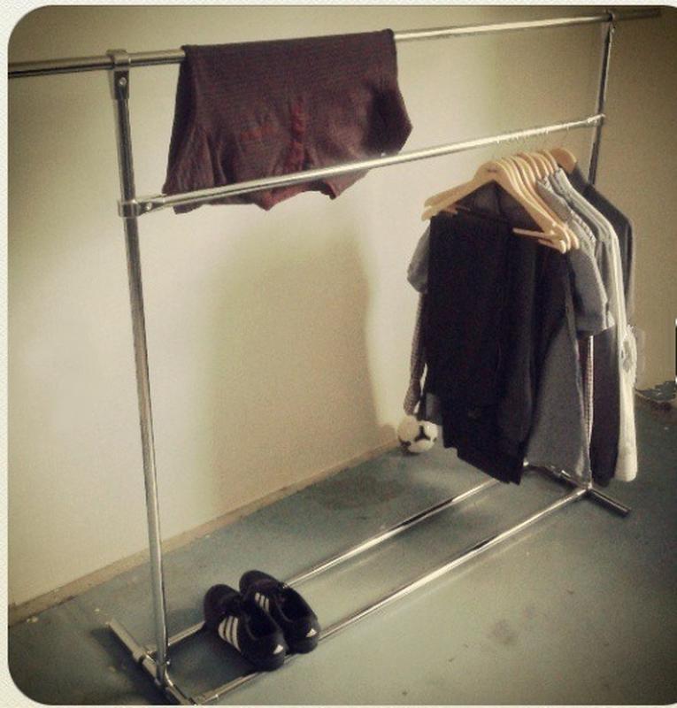Рейл. Стойка для одежды. Вешалка одежды