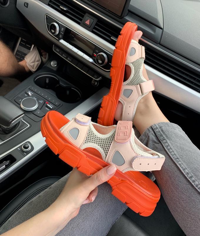 Шикарные женские летние хайповые сандали/ босоножки на платфор...