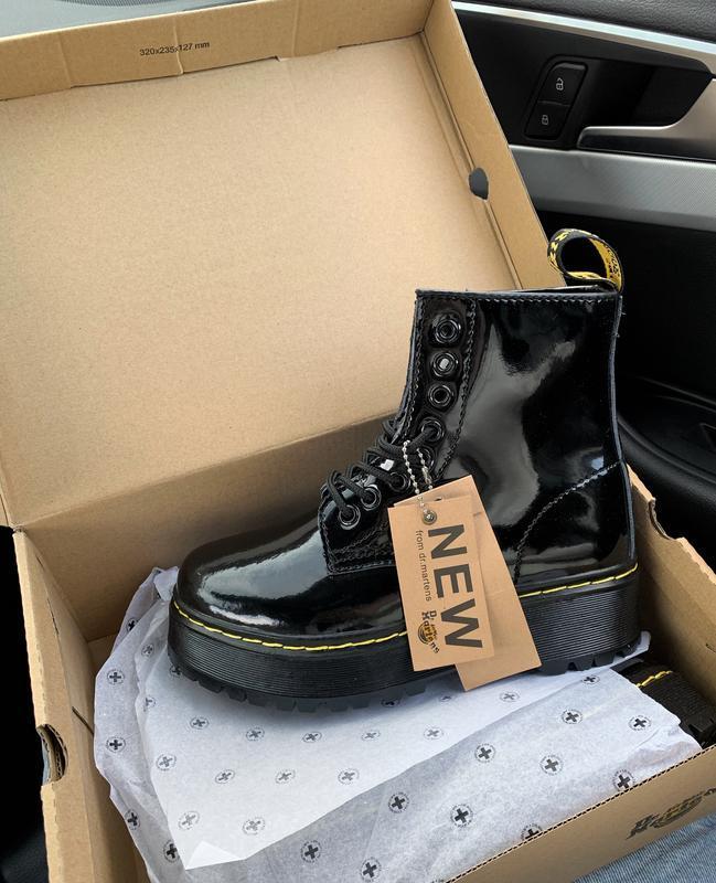 Шикарные зимние чёрные ботинки dr. martens fur patent platform...