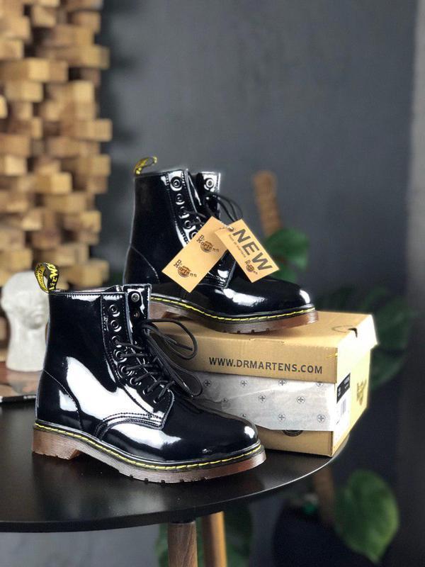 Шикарные женские осенние ботинки dr. martens 1460 black lacque...