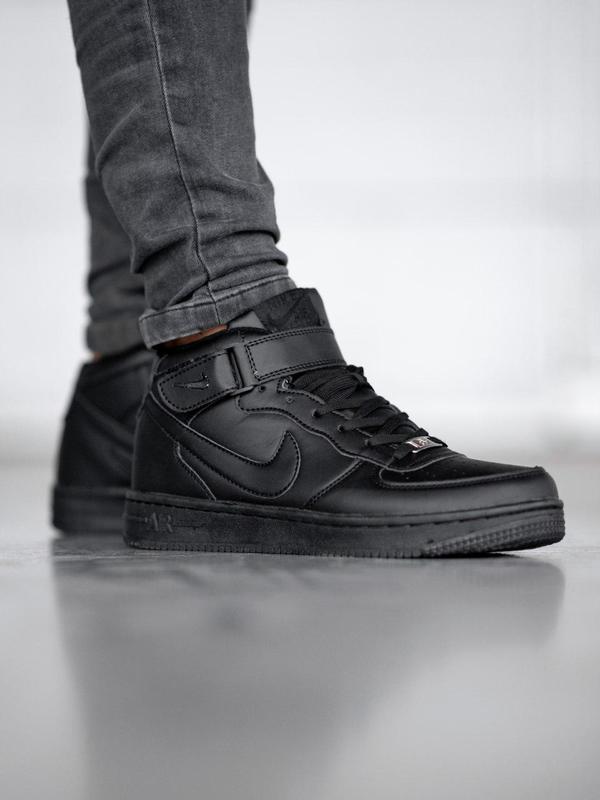 Шикарные мужские  зимние кроссовки nіke aіr force black  с мех...