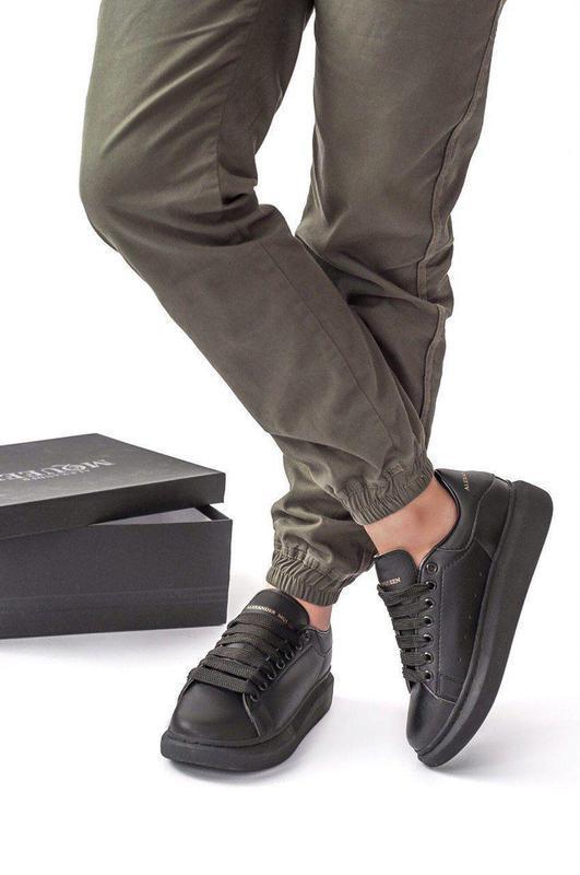 Шикарные женские кожаные кроссовки alexander mcqueen black 😍 (...