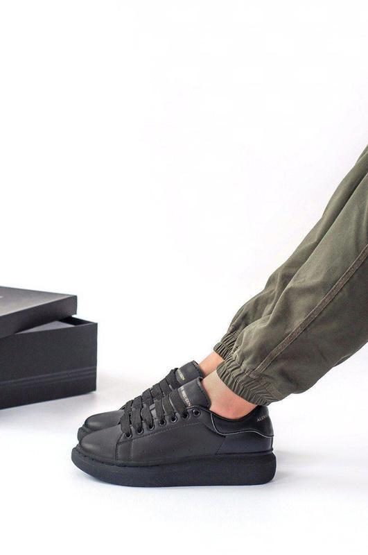 Шикарные женские кожаные кроссовки alexander mcqueen black 😍 (... - Фото 2