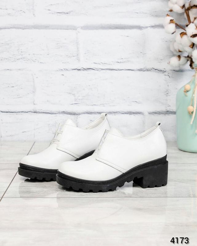 ❤ женские белые кожаные туфли на толстой подошве ❤